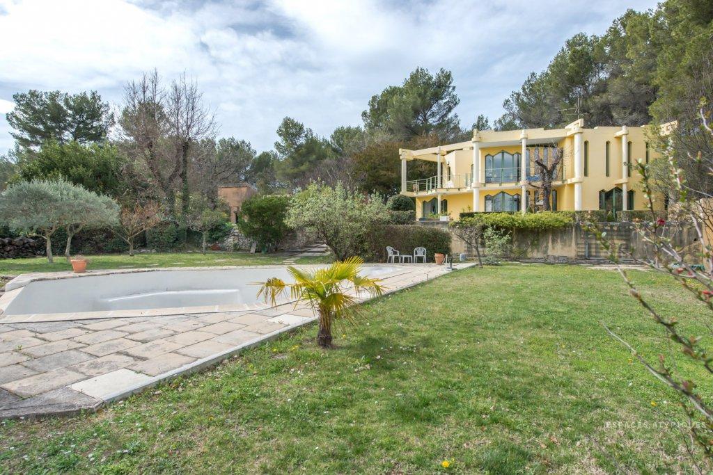 Vente vente maison 6 pi ces venelles piscine terrasse for Venelles piscine