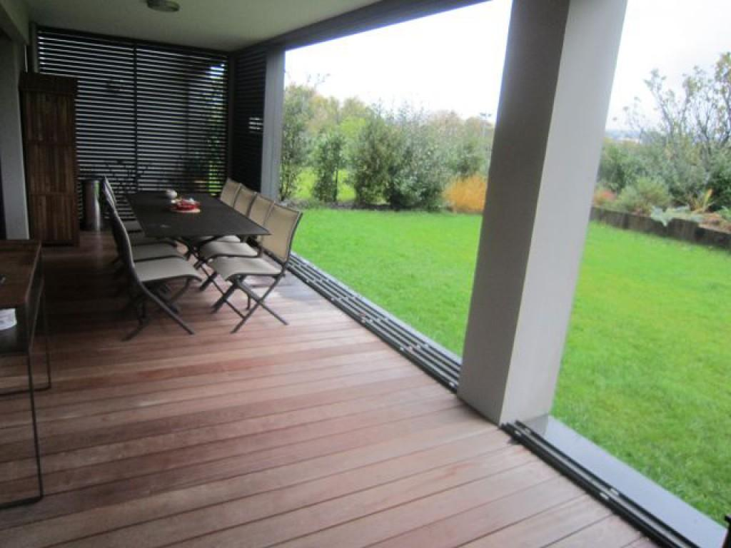 aix en provence type 4 avec jardin terrasse garage dans r sidence neuve de grand standing. Black Bedroom Furniture Sets. Home Design Ideas